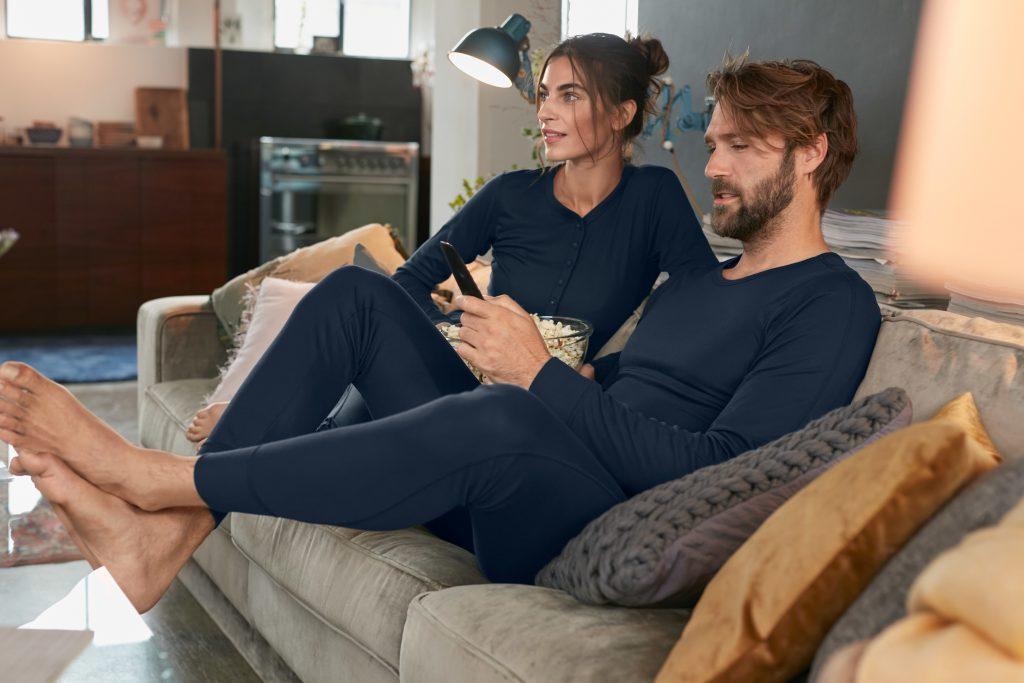 In der neuen HEUTE LIEBER LÄSSIG Kollektion von Tchibo finden Sie die perfekte Kleidung für einen lässigen Tag zu Hause. Gültig ab 19.01.21